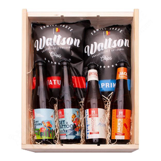 """Houten kistje """"Belgian Legends bieren, Bucket List bieren en Waltson chips"""""""